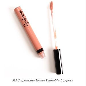 MAC Vamplify Lipgloss in Spanking Haute PeachNWT for sale
